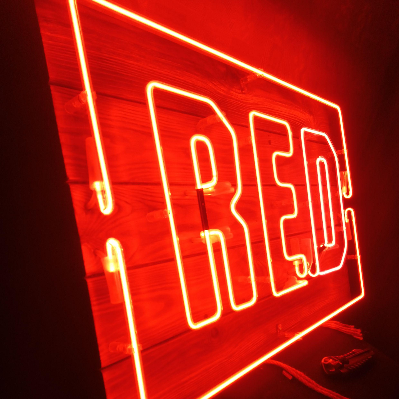красный неон